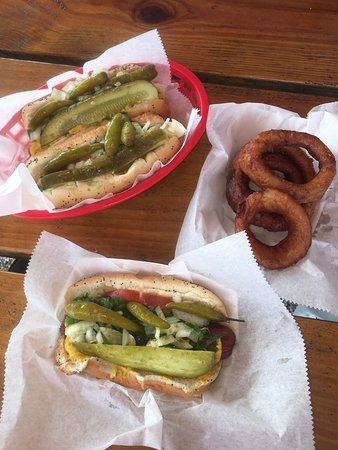 Hot Diggity Dogs & More: Amazing Chicago dog