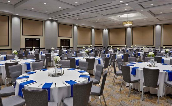 Doubletree by  Hilton Lawrenceburg Indiana Wedding Venue