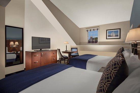 Bristol, RI: Double Guestroom