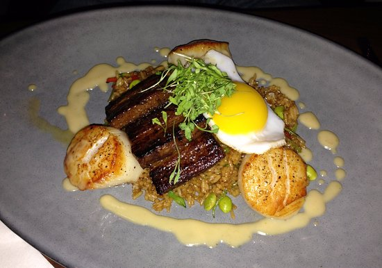 Cape Neddick, ME: Day Boat Jumbo Scallops on Pork Belly Fried Rice!!! Exceptional!!