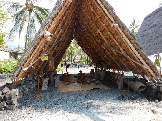 Honaunau, Hawaje: Demonstration using traditional tools