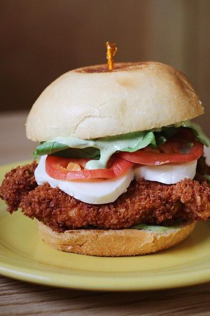 Spruce Head, Μέιν: Chicken Caprese Sandwich - you better be hungry!!!