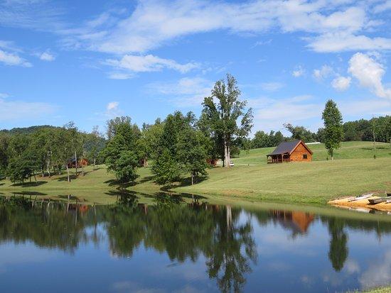 Nellysford, VA: Lake View