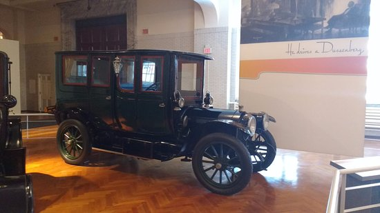 Museo de Henry Ford: Old car at Ford Museum