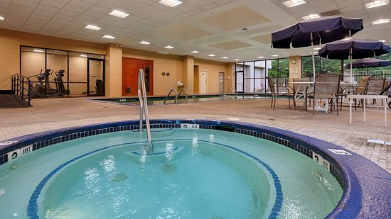 Elkridge, MD: Hot Tub &Pool Area