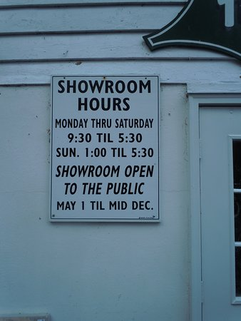 Cresco, PA: Showroom hours at Holley Ross Pottery.