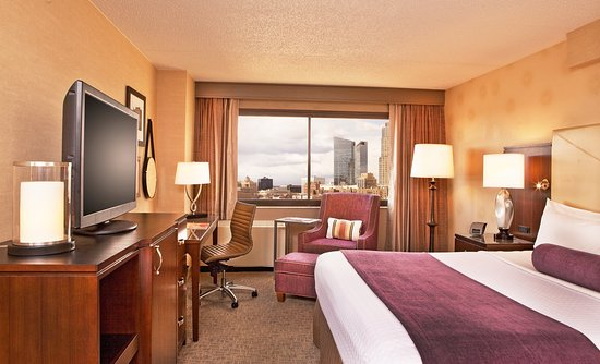 Crowne Plaza White Plains Downtown: Guest Room