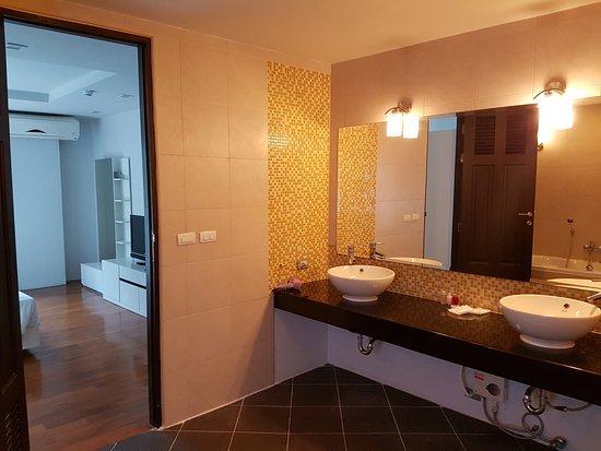 The Haven Lagoon 35* (ПхукетПатонг, Таиланд)  отзывы. West Plaza Hotel. Vogue Hotel Arezzo. Wellness Hotel Borovica. Kunshan Yizui Crown Hotel. Comfort Inn & Suites Kudos. Hotel Las Piechowice. Verwohnhotel Sonnhof. City Garden Hotel