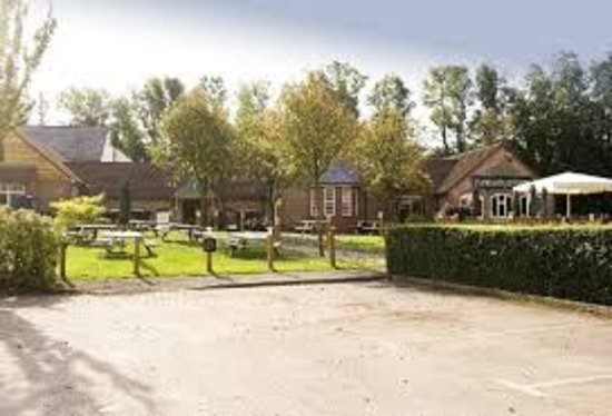 Pencoed, UK : There are plenty of car parking spaces available for our guests to use for free.