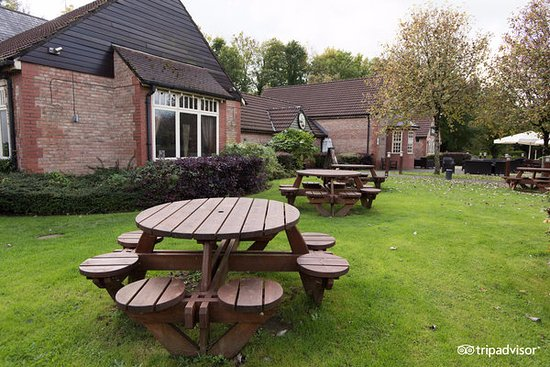 Pencoed, UK: Our outdoor dining area