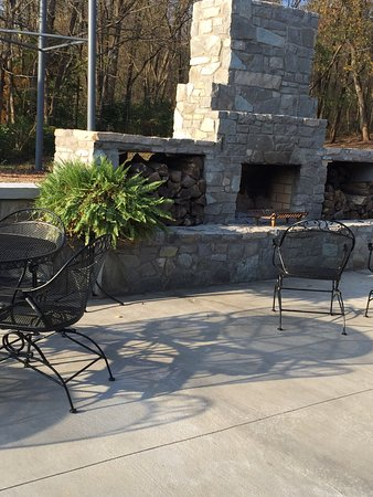 Mount Vernon, KY: Limestone Grille