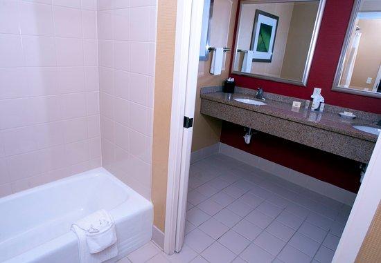 มิดเดิลเบอรี, เวอร์มอนต์: King Suite Bathroom