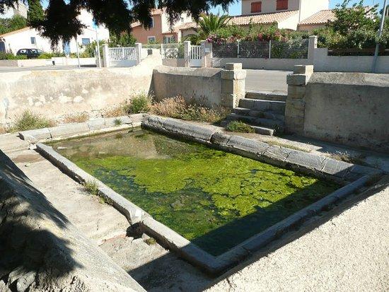 La Palme, فرنسا: le nouveau lavoir....héhé....nouveau....