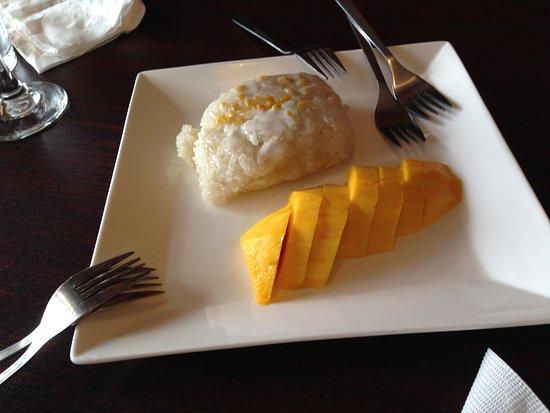 lucky thai desert sticky rice mango yummiiiiii