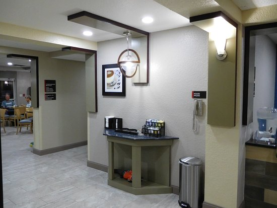 Best Western Waldo Inn & Suites: 24 Hours coffee station