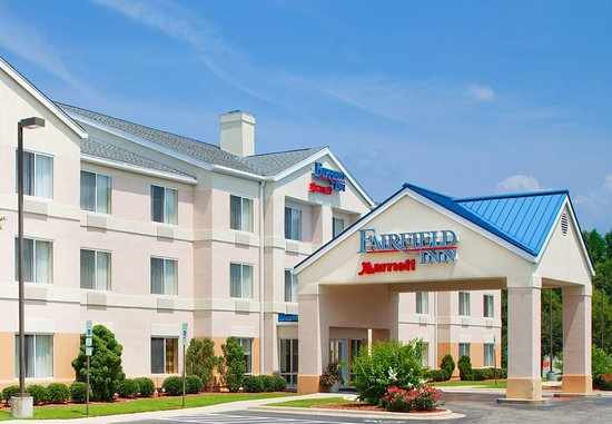 Hotels Near The Crown Center In Fayetteville Nc