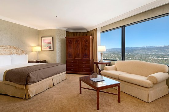 Hilton Los Angeles/Universal City: King Bed Executive Suite