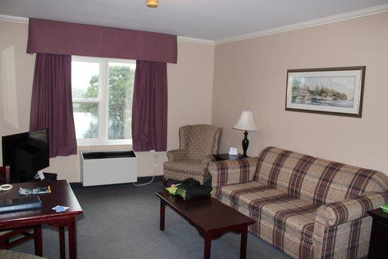 Coastal Inn Dartmouth Picture