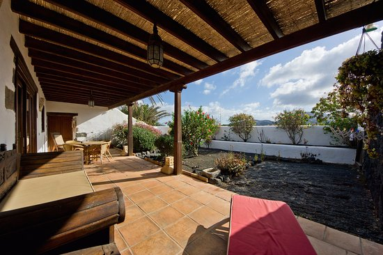 Mozaga, Spain: TWO BEDROOM VILLA - Great spaces to enjoy.