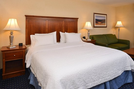 Hampton Inn & Suites Fredericksburg South