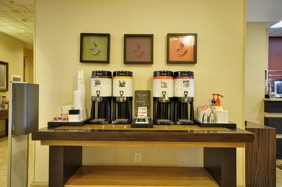 Hampton Inn Boca Raton-Deerfield Beach: Coffee Station