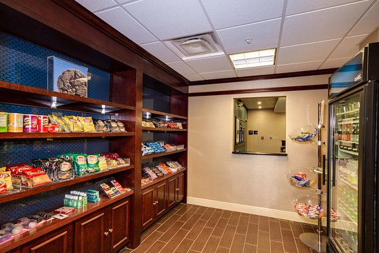 Hampton Inn & Suites Cape Coral/Fort Myers Area: Suite Shop