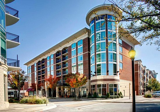 Hampton Inn & Suites Greenville - Downtown - Riverplace: Hotel Exterior