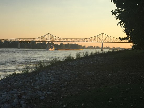 Cairo, IL: Sunset along the Mississippi River