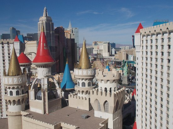 Royal Tower King View Room Picture Of Excalibur Hotel