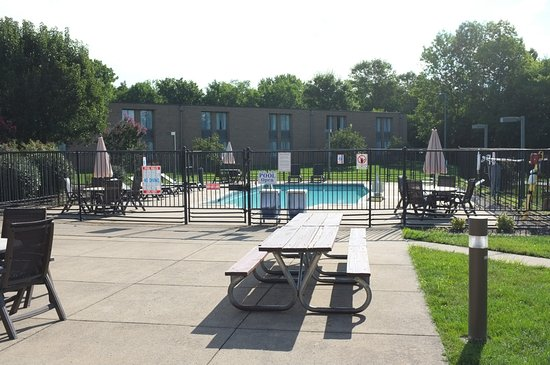 BEST WESTERN Leesburg Hotel & Conference Center: Gemütlicher Pool