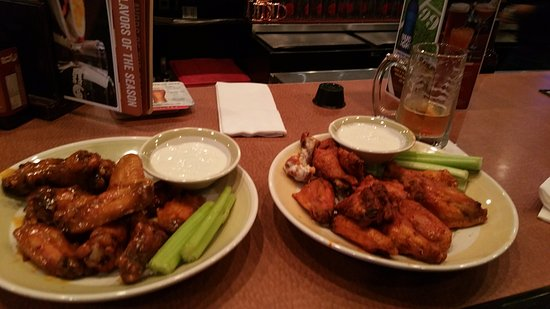 Happy Hour Wings 50 Cents A Piece Surprisingly Good For A Chain