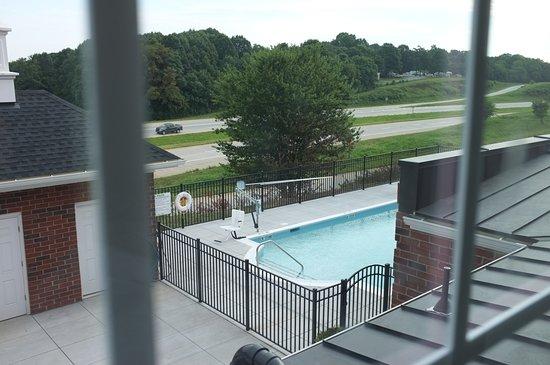 Appomattox, VA: Pool vom Zimmer aus gesehen.