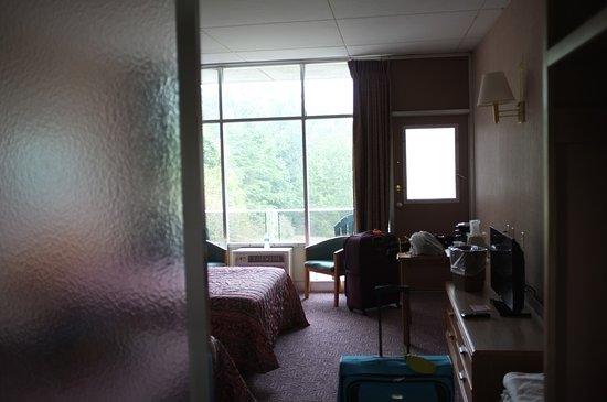 Luray Caverns Motel East: Zimmer mit Balkon