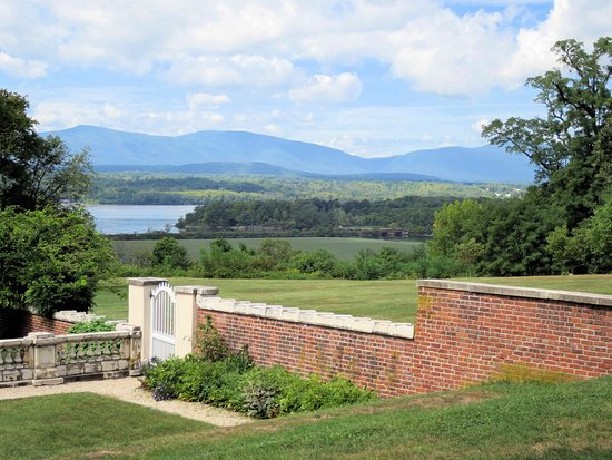 Annandale on Hudson, NY: Blithewood Gardens - Catskill mountains
