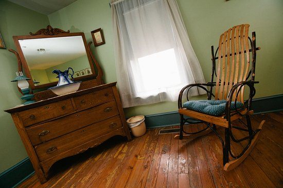 Golden Eagle Inn: We have hickory rockers throughout the Inn (ask if your room has one in it)!