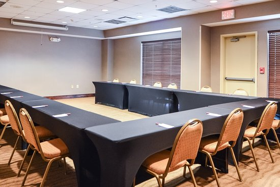 Comfort Suites Charlotte Northlake: Meeting room