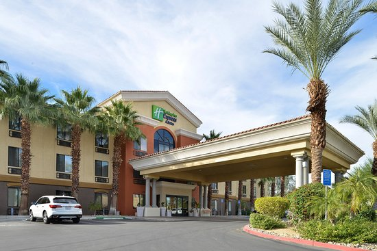 Holiday Inn Express Cathedral City (Palm Springs): Hotel Exterior