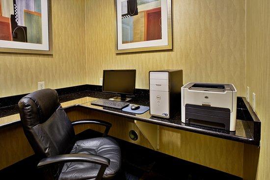 Woodhaven, MI: Business Center