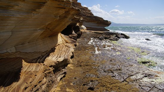 Tasmania, Australia: Painted cliffs