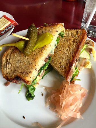 Chet's Bar & Grill: Grilled Cheese