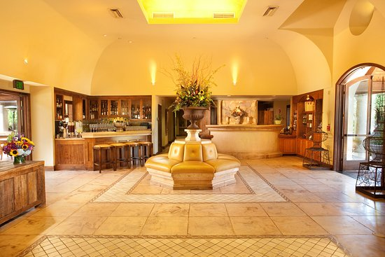 Vintage Inn: Interior