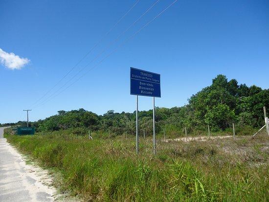 Trancoso, BA: Estrada de acesso a praia após a rotatória