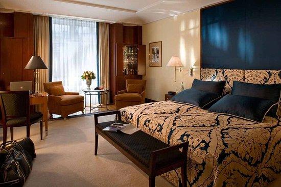 Hotel Adlon Kempinski: Superior Room