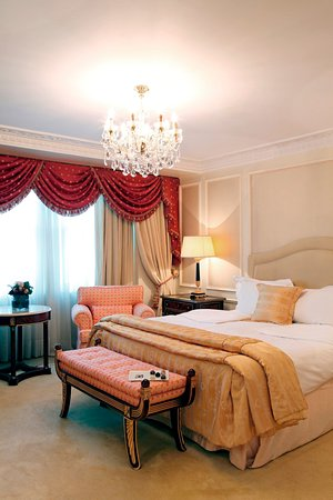 The Bentley London: Presidential Room