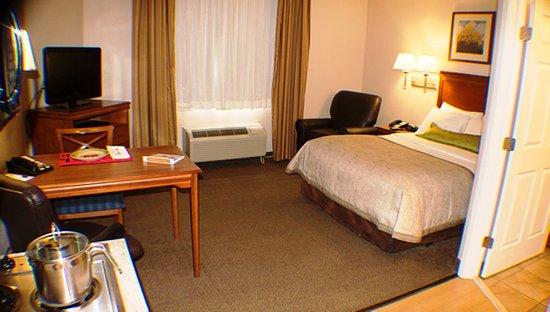 The Norcliffe Hotel: Studio Suites One Queen Bed