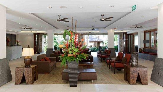 Pullman Palm Cove Sea Temple Resort & Spa: Exterior