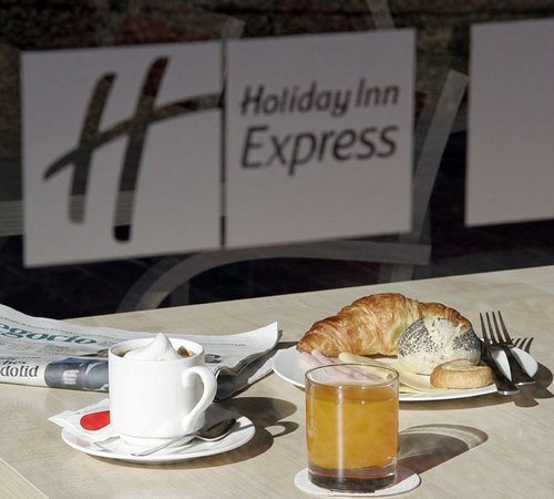 Holiday Inn Express Madrid-Rivas: Enjoy our free continental breakfast