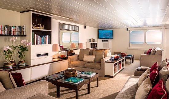 Four Seasons Resort Maldives at Kuda Huraa: Living Room