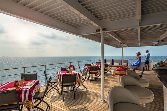 Four Seasons Resort Maldives at Kuda Huraa: Alfresco Dining