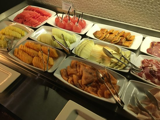 Breakfast Picture Of Olivia Plaza Hotel Barcelona Tripadvisor